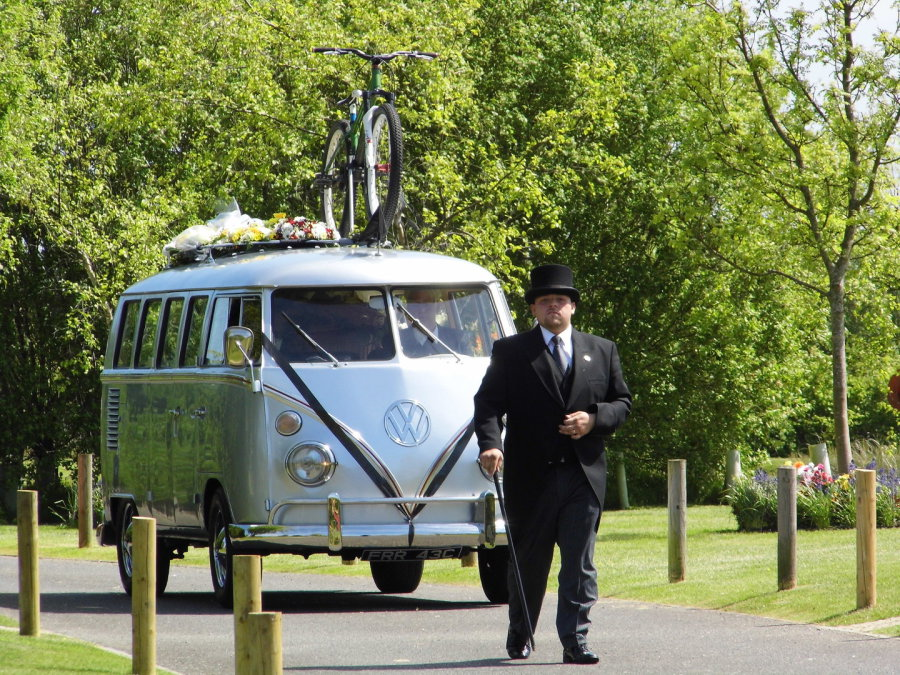 Volkswagen funerals classic vw funeral hearse fleet for hire split screen vw funeral hearse carrying his own bike solutioingenieria Images